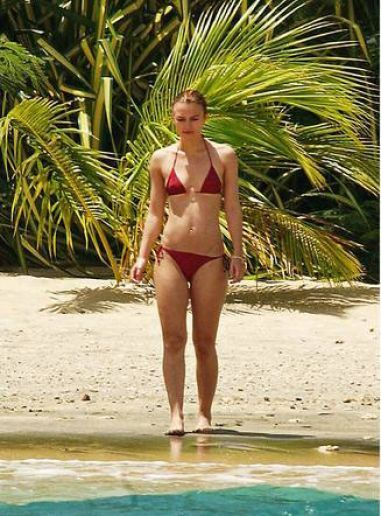 keira knightly beach.jpg